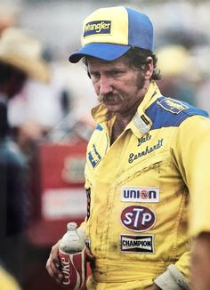 The Intimidator, Kurt Busch, Nascar Racing, Auto Racing, Dale Earnhardt, Vintage Racing, Senior Photos, The Man, Black Men