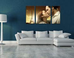 Se l'anniversario di fidanzamento/matrimonio con la tua Lei è vicino segui il nostro consiglio. Prepara una cena a lume di candela mentre lei è a lavoro e falle trovare il tuo regalo appeso alle pareti di casa: una  romantica tela divisa in pannelli, personalizzata con la vostra foto più bella insieme.  Scopri questa ed altre proposte per il tuo anniversario nel nostro ultimo post:  http://www.goonart.it/blog/2566-come-personalizzare-la-cena-per-lanniversario-con-la-vostra-lei