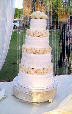 Kim Kardashian and Kanye Wests wedding cake was an impressive 7