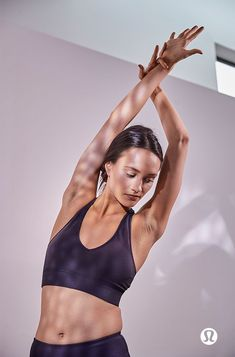Make every movement in between just as important as the final poses. Dancer Photography, Fitness Photography, Modelos Fitness, Best Photo Poses, Yoga Photos, Fitness Photoshoot, Aerobics Workout, Yoga Fashion, Academia