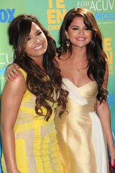 BFFs Selena Gomez and Demi Lovato have fun at Teen Choice Awards 2011