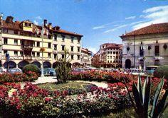 Giardini in Piazza Campedèl Belluno Dolomiti Veneto Italia