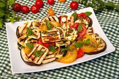 salata-de-legume-si-branza-la-gratar Pesto, Zucchini, Waffles, French Toast, Picnic, Vegan, Lunches, Cooking, Breakfast