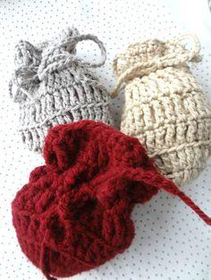 Crochet Pouches - free pattern
