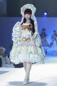 Misako Aoki Harajuku Fashion, Kawaii Fashion, Lolita Fashion, Cute Fashion, Fashion Show, Visual Kei, Mode Lolita, Lolita Style, Lolita Cosplay