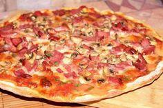 Vynikající křupavá pizza bez použití droždí. Ovesné vločky v pizzovom těste jsou skvělé! Jak oblohu můžete použít různé suroviny podle chuti.