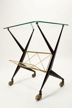 magazine rack / table