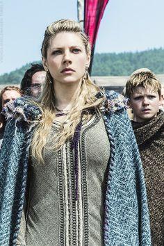 Katheryn Winnick as Lagertha on Vikings Vikings Lagertha, Ragnar Lothbrok, Vikings Tv Series, Vikings Ragnar, Vikings Tv Show, Katheryn Winnick, Conquest Of Mythodea, Viking Series, Medieval Clothing