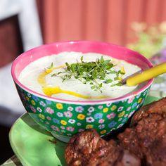 Örtsås med parmesan och rucola till kvällens grillmiddag