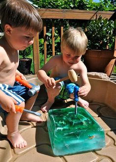 Giant ice cube projects for kids, diy for kids, crafts for kids, kids Kids Crafts, Craft Activities For Kids, Projects For Kids, Summer Crafts, Activities For Babysitting, Outside Kid Activities, Indoor Toddler Activities, Activities For Babies Under One, Kid Activites