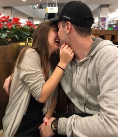 Couples in love, love couple, couple goals, cute couple pictures, couple ph Relationship Goals Pictures, Cute Relationships, Best Relationship, Successful Relationships, Healthy Relationships, Cute Couples Goals, Couples In Love, Romantic Couples, Photo Couple