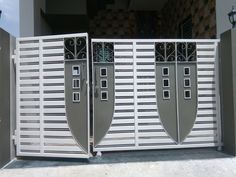 Grill Gate Design, House Main Gates Design, Front Gate Design, Door Gate Design, House Front Design, Iron Fence Gate, Gate Designs Modern, Metal Storage Racks, Security Doors
