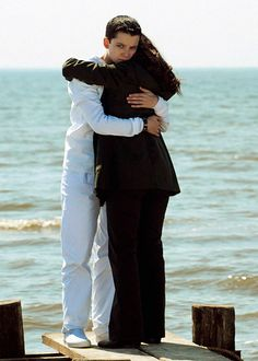 ender s game relationship between ender peter Click here to read our discussion of ender's game a e wiggin: when i understand my enemy well enough to defeat him, in that moment i also love him.