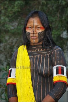 xingu girl: 82 thousand results found on Yandex. Tribal People, Tribal Women, We Are The World, People Around The World, Pintura Tribal, Amazon Tribe, Tribal Face, Xingu, Indigenous Tribes