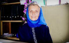 Annalena Tonelli: Eredità di una 'Nessuno' (Italian Version)   5 ottobre 2013 ha segnato il decimo anniversario della morte prematura di Annalena Tonelli. Annalena, che si riferiva a se stessa dicendo: 'Io sono nessuno', ha ricevuto il Premio Nansen per i UNHCR nel giugno 2003.  Per celebrare l'incredibile lavoro di Annalena Tonelli, l'Alto Commissariato delle Nazioni Unite per i Rifugiati in Somalia ha prodotto un documentario, prodotto e diretto da Matt Erickson di Poet Nation Media.