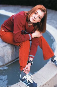 http://images.fanpop.com/images/image_uploads/willow-buffy-the-vampire-slayer-635555_593_896.jpg