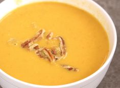 If you& a fan of heading to Panera for soup once the cold months hit, you& not alone! That& why we just had to come up with a recipe we could make at home, and thus, Better Than Panera Autumn Squash Soup was born. Gourmet Recipes, Soup Recipes, Cooking Recipes, Healthy Recipes, Cooking Ideas, Panera Autumn Squash Soup, Autumn Soup, Copycat Soup Recipe, Pumpkin Soup