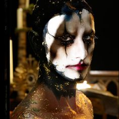 Illamasqua Art of Darkness Makeup Collection for Fall � Winter 2010 � Exclusive Promo Photos, Products� Photos, Swatches