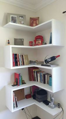 Ramd Home: 23 Stunningly Corner Shelves Decor Ideas Corner Shelf Design, Bookshelf Design, Corner Bookshelves, Corner Shelves Living Room, Corner Shelving, Storage Shelves, Corner Furniture, Home Furniture, Home Room Design