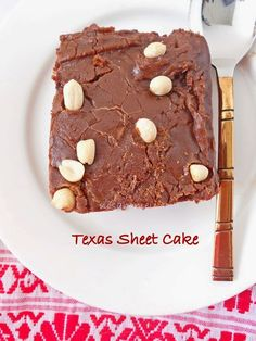 One bowl easy Texas sheet cake recipe with step by step pictures. Easy Texas Sheet Cake Recipe, Sheet Cake Recipes, Frosting, Sweets, Cookies, Ethnic Recipes, Desserts, Food, Bag