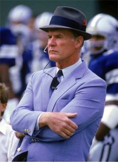 SAN DIEGO - NOVEMBER Head coach Tom Landry of the Dallas Cowboys watches from the sideline during a game against the San Diego Chargers on November Tom Landry coached the Cowboys from 1960 to leading them to two Super Bowl victories. Dallas Cowboys Football, College Football, Cowboys 4, Nfl Dallas, Dallas Texas, Pittsburgh Steelers, Best Sports Quotes, Nfl Coaches, Tom Landry