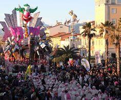 Carnevale di Viareggio 2013 -seconda categoria#carnevale #viareggio - Repinned by #hoteltettuccio Montecatini Terme