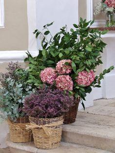 Decoración de ceremonia www.llorensyduran.eu/blog-decoracion-floral/noticias/una-boda-en-el-campo/