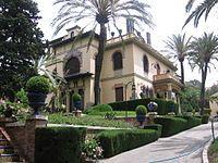 Villa Fernanda - Está situada en el Paseo de Miramar,
