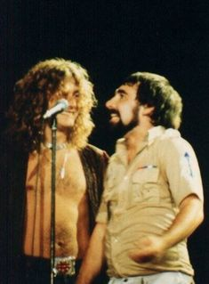 Robert Plant (Led Zeppelin) with Keith Moon (The Who). - another photo, but photo color. Historia Do Rock, Keith Moon, Robert Plant Led Zeppelin, John Paul Jones, John Bonham, Greatest Rock Bands, Rock N Roll Music, Rockn Roll, Cultural