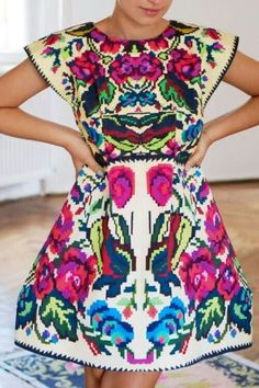 Hermoso Bordado Mexicano!! Imagine how many hours of work went into hand embroidering this!