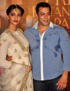 Salman Khan with Sonam Kapoor at trailer launch of 'Prem Ratan Dhan Payo'. #Bollywood #PremRatanDhanPayo #PRDP #Fashion #Style #Beauty #Handsome #Ethnic