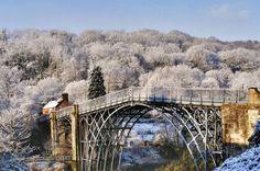 Ironbridge Shropshire England http://ift.tt/1PwaAJe AbrahamBridgesDarbyDawnEnglandFrozenGorgeIronRiverSevernShropshireSnow