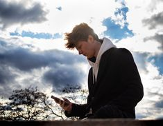 """Používateľ (づ ◔ ͜ʖ ◔ )づ uverejnil príspevok na svojom instagramovom profile: Je sice supr ušetřit nějakou tu kačku na koupi produktu, avšak co nám pomůže si vybrat vůbec TEN…""""• Pozrite si v jeho profile všetky fotky používateľa @mattemwow. Teen, Youtube, Fictional Characters, Art, Craft Art, Teenagers, Kunst, Gcse Art, Youtubers"""