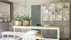 De la pierre au mur pour un style campagne // http://www.deco.fr/revetement-mural-et-sol/pierre-marbre/actualite-711121-pierre-mur-style-campagne.html