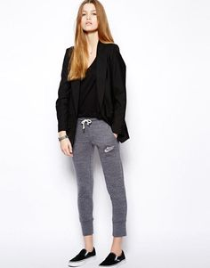 Been looking for the  Been looking for these pants everywhere... Hate online ordering.