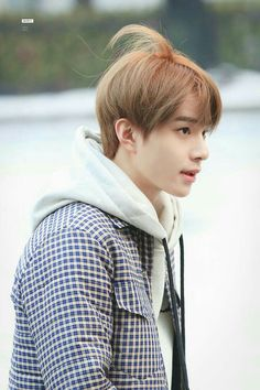 Too handsome, even with a messy strand of hair ❤ Nct 127, Mark Lee, Winwin, Taeyong, Jaehyun, Grupo Nct, Johnny Seo, Kim Jung Woo, All Meme