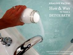 Typically, a detox bath is made with Epsom salt which not only draws out toxins, but has a wide range of health benefits and will improve your overall health. Well, Epsom salt bath is great but to make your detox bath even more powerful and more. Homemade Beauty, Diy Beauty, Beauty Hacks, Fashion Beauty, Health Remedies, Home Remedies, Natural Remedies, Natural Treatments, Hair And Beauty