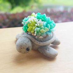 Polymer Clay Turtle, Cute Polymer Clay, Cute Clay, Polymer Clay Projects, Polymer Clay Charms, Polymer Clay Creations, Diy Clay, Clay Crafts, Turtle Figurines