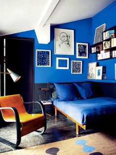 This awesome royal #blue changes everything for the better in this room. What do you think?