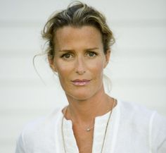 India Hicks - make-up & hair color