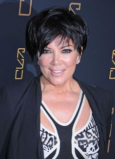 Kris Jenner Layered Razor Cut - Kris Jenner arrived at the opening of Scott Disick's RYU restaurant in NYC wearing her choppy 'do stylishly tousled. Short Hair Cuts For Women, Short Hairstyles For Women, Celebrity Hairstyles, Pretty Hairstyles, Hair Color And Cut, Cut My Hair, Kardashian, Lisa Rinna, Robin Wright