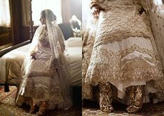 Het borduurwerk van deze trouwjurk vertelt een bijzonder verhaal – Veel vrouwenzoeken stad en land af voor de ideale jurk om op hun belangrijke dag te dragen. Maar de Indiase ontwerpster Krésha Bajaj Zaveri wilde dat haar trouwjurken – want bij een traditionele Indiase bruiloft …
