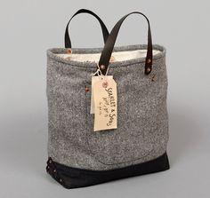 TH-S & CO. DOUBLE LOAF BAG, BLACK / GREY WOOL BLEND SLUB TWEED WITH BLACK YARN-DYED TWILL BOOT :: HICKOREE'S