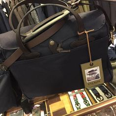 Gift ideas  Filson Original Briefcase Navy  #giftideas #christmas #hipsterstyle #georgesroma #gift #gentlemanstyle #bag #filson #ruggedstyle borninusa