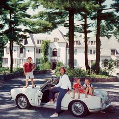 The Slim Aarons Prints Collection - Page 5 of 10 - Galerie Prints - Premium Photographic Prints Slim Aarons Prints, Convertible, Old Money, High Society, Attractive People, Glamour, Photographic Prints, Life Is Beautiful, New Hampshire