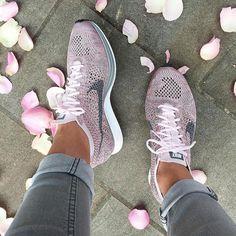new product 6fc3e bfa94 Gym Outfits Ideas – Lady Dress Designs Pink Nike Shoes, Cute Nike Shoes,  Nike