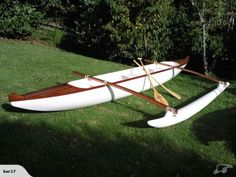 I want this otherwise stunning Outrigger Canoe (Waka Ama) to be symmetrical Canoe Boat, Canoe And Kayak, Sea Crafts, Water Crafts, Canoe For Sale, Kayak Outriggers, Sailing Kayak, Canoe Plans, Boat Supplies