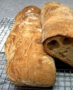 How to Make a Perfect Ciabatta Loaf Ciabatta, Yeast Bread Recipes, Sourdough Recipes, Bread Bun, Bread Rolls, No Knead Bread, Artisan Bread, How To Make Bread, Bread Baking