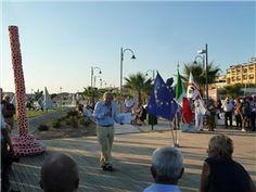 Vittorio Sgarbi celebra l'inaugurazione del MumArt.  Primo museo subacqueo di arte moderna al mondo - Golfo Aranci