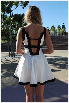 Art Symphony: Graduation Dresses